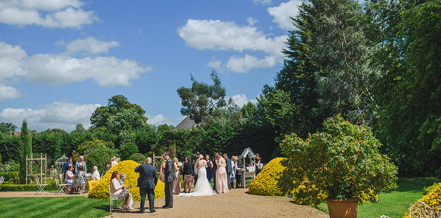 Italian Gardens at Manor by The Lake for an Outdoor Wedding