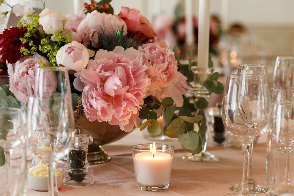 Spring Weddings at Manor By The Lake Table setting 4
