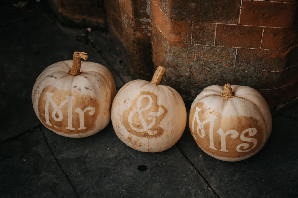 Autumn Weddings at Manor By The Lake Autumn wedding styling 5